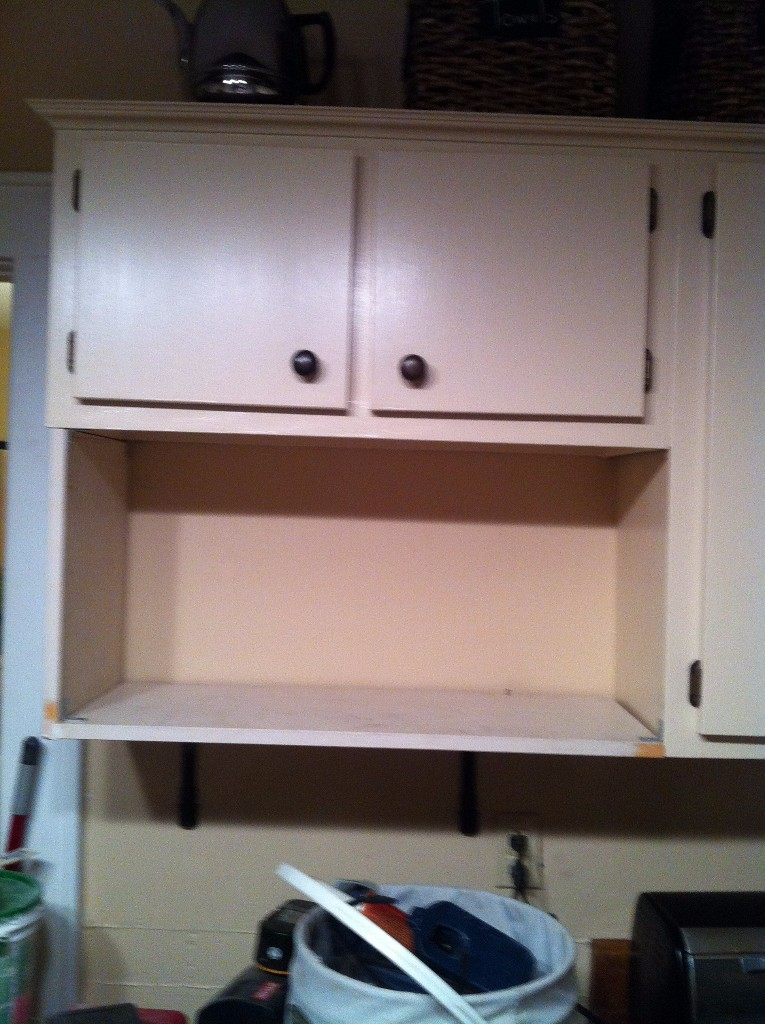 Continuous Run Out Kitchen Cabinets